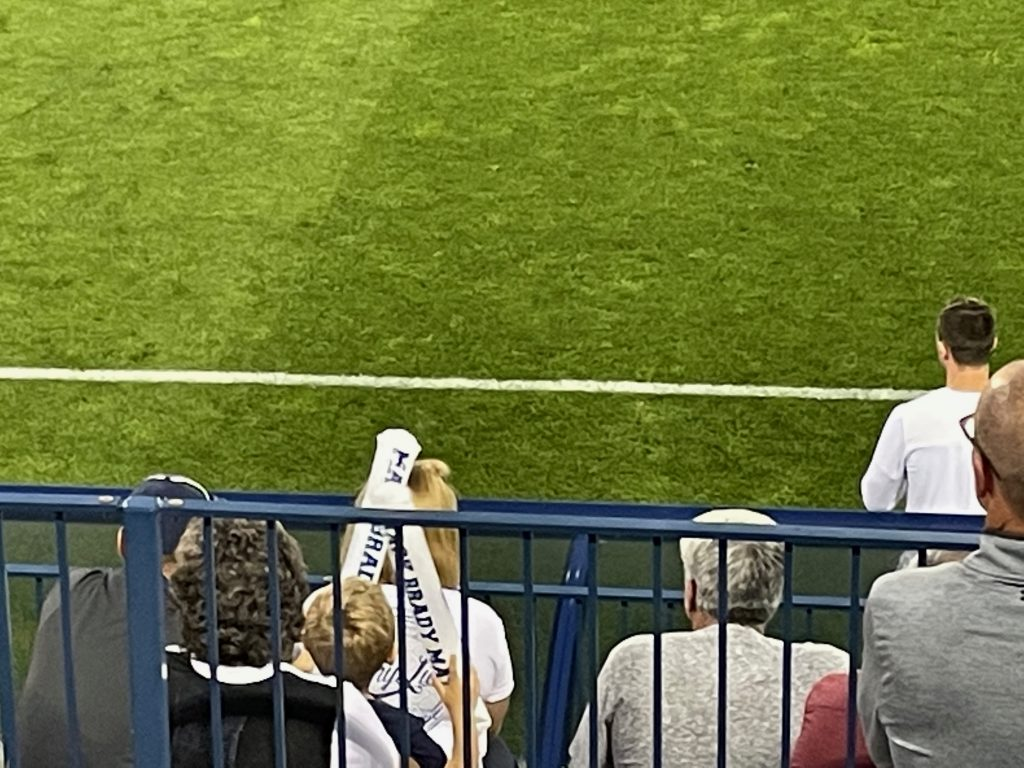 This little boy kept bopping the girl in front of him on the head with the Mack Brady thundersticks! I was tickled watching the exchange, it reminded me of Mack and Iz.